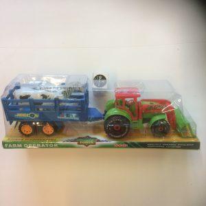 Traktor na napęd z przyczepą i zwierzętami