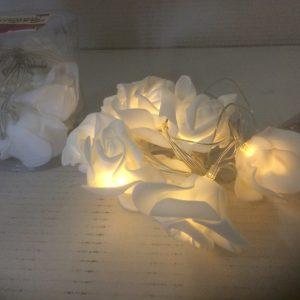 Ozdoba świecąca różyczki białe