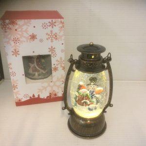 Lampion ze śniegiem świecący
