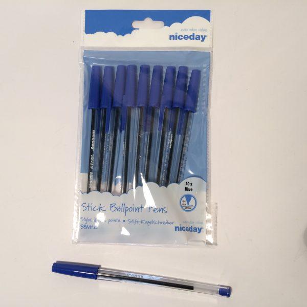Długopisy niebieskie w komplecie