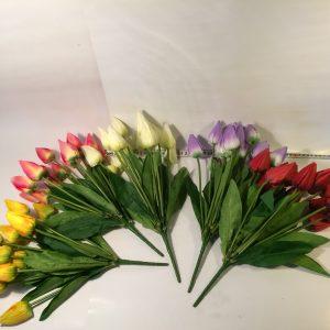 Kwiat tulipan w bukiecie
